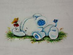 elefantinho branco pintado em fralda de menino