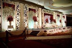 Reception Stage Decor, Wedding Stage Decorations, Flower Decorations, Hall Decorations, Wedding Backdrop Design, Wedding Stage Design, Lounge Party, Wedding Mandap, Indoor Wedding