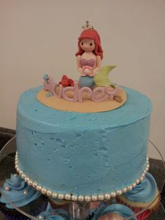 The Little Mermaid, Ariel.  Top tier cake.