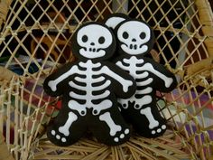 Skeleton Cookies | Aunty Cookies Sweet Treats Halloween Sugar Cookies, Cookie Ideas, Skeleton, Sweet Treats, Snoopy, Character, Sweets, Candy, Skeletons