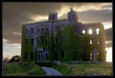 """忘れてはいけないこと: """"ゴールウェイ、アイルランド - 放棄された大邸宅   フォトクレジット   もっと見る! """""""