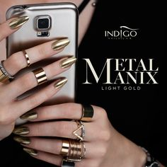 Effect chrome nails - Metalmanix Light Gold | Indigo Nails