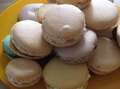 Recipe Ganaches pour macaron sortes) by learn to make this recipe easily in your kitchen machine and discover other Thermomix recipes in Pâtisseries sucrées. Ganache Macaron, Macaron Caramel, Macaron Flavors, Macaron Recipe, Vanilla Macarons, Macaron Cookies, French Patisserie, Thermomix Desserts, Cooking Chef