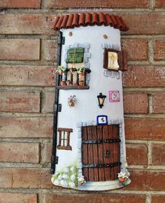 Teja en pasta de papel Beach Crafts, Diy And Crafts, Arts And Crafts, Clay Houses, Ceramic Houses, Clay Projects, Projects To Try, Diy Y Manualidades, Clay Flower Pots
