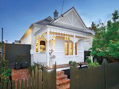 Stalking cute little white cottages... - desire to inspire - desiretoinspire.net