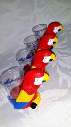 4 Captain Morgan's Parrot Bay Rum Plastic Shot Glasses W/ Parrot Attached CUTE…