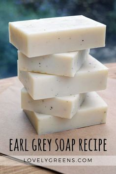 How to make handmade Bergamot + Earl Grey soap - Homemade - assortment - How to make handmade Bergamot + Earl Grey soap Earl Grey Soap recipe + instructions made with coconut oil, shea butter, and citrusy sweet bergamot essential oil Diy Savon, Savon Soap, Soap Making Recipes, Homemade Soap Recipes, Homemade Paint, Homemade Soap Bars, Recipe Making, Baking Recipes, Cake Recipes