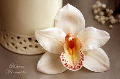 Заколки ручной работы. Ярмарка Мастеров - ручная работа Орхидея цимбидиум для волос (холодный фарфор, полимерная глина). Handmade.