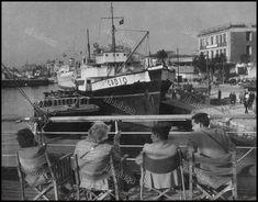 https://flic.kr/p/28HaiHH | Λιμάνι Πειραιά, 1963. Φωτογραφία: Otto Siegner, από το βιβλίο La Grèce. En Images.