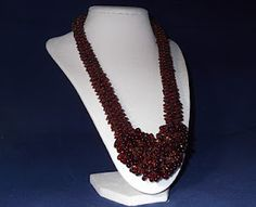 Lekku Necklace designed by Rachel Nelson-Smith  Supplies: Seed beads, drops, bicones