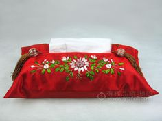 HAND EMBROIDERED SILK TISSUE BOX RED   chinese embroidery tutorial