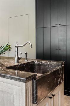 Rijkevorsel landelijk keukenproject | Jones Living Kitchen Decor, Kitchen Design, Kitchen Ideas, Sink Faucets, Sinks, Beautiful Kitchens, Built Ins, Countertops, My House