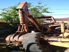 Lote Nº: 05; ; Retroescavadeira Case 580H, ano 199Jonas Gabriel Antunes Moreira