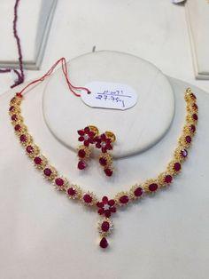 Ruby Jewelry, Bridal Jewelry, Gold Jewelry, Beaded Jewelry, Gold Necklace, Ruby Necklace Designs, Gold Jewellery Design, Jewelry Patterns, Choker