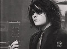 Gerard is prettier than me..... ;_; --- damn I wish I looked like that