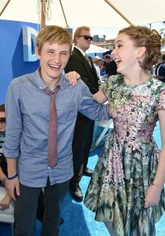 Nathan Gamble & Cozi Zuehlsdorff as Swayer Nelson & Hazel Haskett Dolphin Tale 2, Sea Dolphin, The Picture People, Nathan Gamble, Clearwater Marine Aquarium, Winter Photos, Marine Biology, Celebs, Celebrities