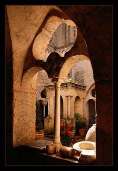 Hotel Villa Cimbrone, Ravello #Italy http://www.villacimbrone.com/en/ (Photography by Christof D. via Flickr)