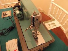 Turquoise Sears Kenmore Sewing Machine 148 -400 w/ Case Pedal and Accessories