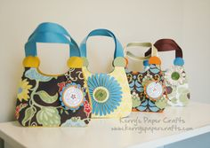 cute purse gift bags from card stock... got to get that cricut out again...