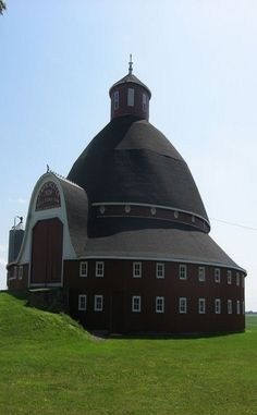 Black Round Barn ( converted into homes )...I could definitely live here
