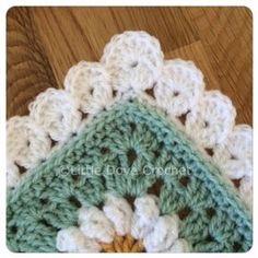 Lovely Blanket Border: free crochet pattern by donnatinker Crochet Boarders, Crochet Blanket Edging, Crochet Edging Patterns, Crochet Squares, Crochet Motif, Crochet Edgings, Granny Squares, Border Pattern, Crochet Blankets