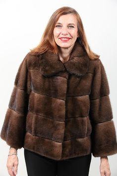 Veste de Vison Scanbrown Royal Saga Furs http://www.fourrure-privee.com/fr/fourrures/vestes-gilets/gilet-de-renard-argente-816