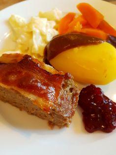 Kjøttpudding med kålstuing – Fru Haaland Meatloaf, French Toast, Food And Drink, Cookies, Dinner, Breakfast, God, Crack Crackers, Dining