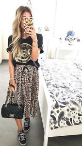 I want to choose some trendy leopard print accessories and clothes from Zara USA. They are all available to buy on Zara USA website. Leopard Maxi Skirts, Leopard Skirt Outfit, Leopard Print Outfits, Leopard Print Skirt, Printed Skirt Outfit, Maxi Skirt Outfits, Printed Maxi Skirts, Zara Rock, Animal Print Skirt