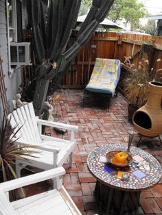 Small outdoor sitting area. Small Patio   Townhome Patio