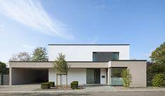 Finde Bau- und Einrichtungsprojekte von Experten für Ideen & Inspiration. Haus K | Rösrath-Forsbach von Skandella Architektur Innenarchitektur | homify