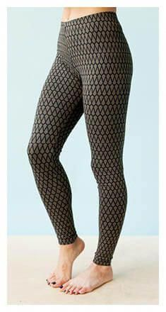 Free Sewing patterns for Athletic Wear: Learn how to make easy Athletic wear… - Leggings Sewing Clothes Women, Sewing Pants, Diy Clothes, Clothes For Women, Easy Sewing Patterns, Sewing Tutorials, Clothing Patterns, Print Patterns, Knitting Patterns