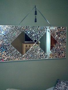 My mirror mosaic Beach Glass Crafts, Mirror Frames, Mosaic Tiles, Glass Art Projects, Mirror Wall Decor, Broken Mirror Art, Mosaic Decor, Mirror Mosaic