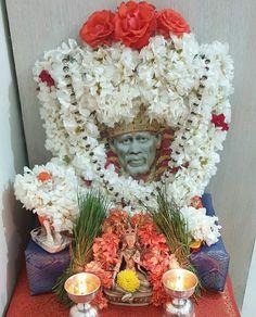 Sai Baba Hd Wallpaper, Sai Baba Wallpapers, Sai Baba Miracles, Mens Hairstyles With Beard, Sai Baba Quotes, Swami Samarth, Sathya Sai Baba, Drawing Tutorials For Beginners, Pooja Room Design