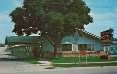 Twilite Motel - Waseca, Minnesota Postcard