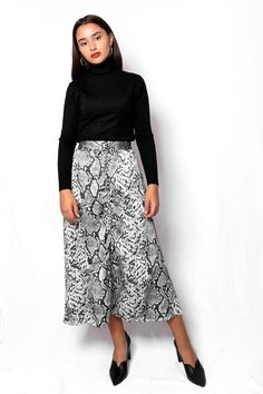 Φούστα μίντι σατινέ print φίδι ασπρόμαυρo SKI022 Vintage Skirt, Snake Print, Midi Skirt, Skirts, Fashion, Moda, Midi Skirts, Fashion Styles, Skirt