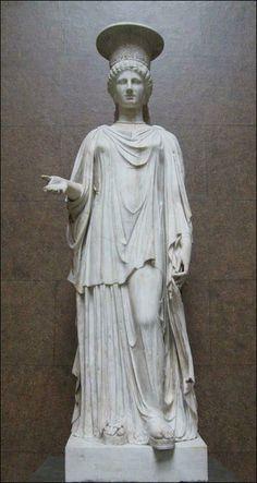 greek draped clothes statue