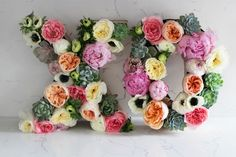 XO floral arrangement DIY for Valentine's Day Flower Letters, Mothers Day Flowers, Flower Quotes, Arte Floral, Floral Skull, To Infinity And Beyond, Happy Valentines Day, Diy Wedding, Floral Wedding
