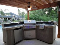 """Get great suggestions on """"outdoor kitchen designs layout"""". They are accessible for you on our site. : Get great suggestions on """"outdoor kitchen designs layout"""". They are accessible for you on our site. Small Outdoor Kitchens, Build Outdoor Kitchen, Outdoor Kitchen Countertops, Diy Countertops, Outdoor Kitchen Design, Backyard Kitchen, Outdoor Spaces, Summer Kitchen, Outdoor Living"""
