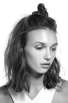 Edgy half top-knot. A bit grunge, a lot edgy, the half top-knot asks for a little bit of texture in the hair; the rest comes as easy as pie with results that are clearly on the remarkable side: