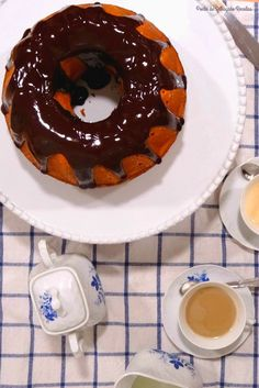 Ponto de Rebuçado Receitas: Bundt de cenoura e nozes com cobertura de chocolate