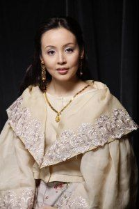 Here's the best maria clara dress in the Philippines. The María Clara gown, sometimes referred to as Filipiniana dress or traje de mestiza Maria Clara Dress Philippines, Philippines Outfit, Philippines Fashion, Modern Filipiniana Gown, Filipiniana Wedding Theme, Filipino Fashion, Philippine Women, Bridal Gowns, Wedding Dresses