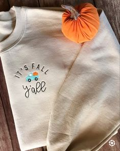 Fall Winter Outfits, Autumn Winter Fashion, Autumn Nature, Autumn Leaves, Autumn Aesthetic, Fall Shirts, Look Chic, Halloween Outfits, Sweater Weather