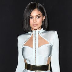 Kylie's sleek-and-straight bob is perfect for those who crave a bit of polish over summer's ubiquitous laissez-faire styles. Her uniform chin-grazing length is the picture of precision.