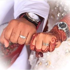 Fantastic Wedding Advice You Will Want To Share Engagement Hand, Engagement Pictures, Indian Wedding Photography, Wedding Photography Poses, Woman Photography, Couple Photography, Cute Muslim Couples, Cute Couples, Wedding Advice