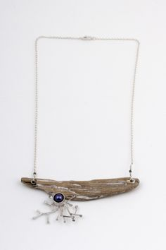 Necklace with driftwood, silver sterling and pearl. «Promenade sur la grave» by Johanne Ratté 2014