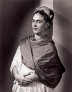 Photo by Nickolas Muray, Frida Kahlo, The Breton Portrait.