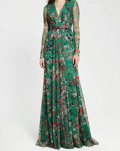 ML Monique Lhuillier Fall 2016 Style # 444476 Stunning Dresses, Stylish Dresses, Long Skirt Looks, Modest Fashion, Fashion Dresses, After Wedding Dress, Long Sleeve Gown, Floral Gown, Ethnic Outfits