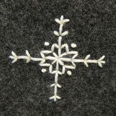 Snowflake Christmas Tree Skirt   www.justcraftyenough.com/?p…   Flickr