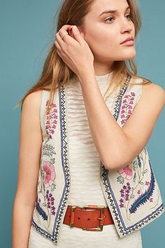 8d356da71e83d1 ANTHROPOLOGIE - ETT:TWA | Bereta Cropped-Embellished Vest Boho Outfits, New  Outfits