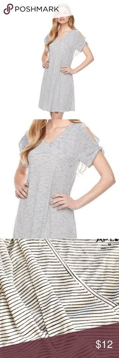 """APT. 9 Cold-Shoulder T-Shirt Shift Dress M NWT BRAND NEW WITH TAG:  Casual classic. Inspire your wardrobe with this women's t-shirt dress from Apt. 9, featuring a trendy cold-shoulder design. MSRP. $40  PRODUCT FEATURES Cold-shoulder design Striped pattern V-neck Short sleeves with slit detail Unlined  FIT & Sizing 38-in. approximate length from shoulder to hem T-shirt dress styling  Fabric & Care 55% Rayon, 45% polyester Machine wash  Actual measurements: bust: 34"""", waist: 37"""", hips: 44""""…"""